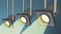 S4E19 Right floodlights powering on
