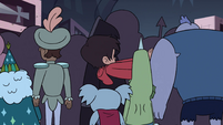 S4E11 Marco squeezing through the crowd
