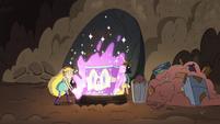 S4E31 Star hurls Sparkle Piano into the well