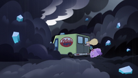 S3E35 Reflectacorp van swerves into the slipstream