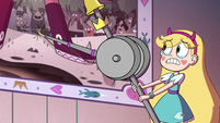 S4E36 Star Butterfly tries to change the tapestry