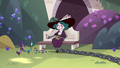 S3E14 Eclipsa Butterfly feeding birds in the gardens