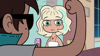 S2E17 Jackie looking at Marco's skinny arm
