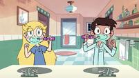 S2E39 Star and Marco rhythmically brush their teeth