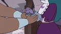 S3E37 Lady Whosits shackles Eclipsa's hands