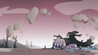 S3E36 Mewberty Moon falls to the ground