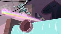 S3E8 Sir Lavabo dodges Star's Rainbow Fist Punch