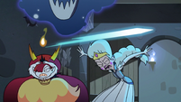 S3E11 Moon and Hekapoo duck under the crystal beam