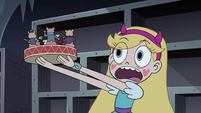 S4E11 Star loves the hamster band figurines