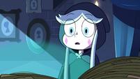 S3E2 Queen Moon sees an ominous green glow