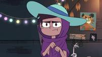 S4E4 Marco wearing Star's sun hat