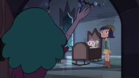 S4E17 Eclipsa waves goodbye to Janna and Meteora