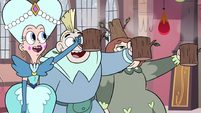 S3E25 Queen Moon and family members raise their mugs
