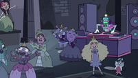 S3E16 Princesses dancing to robot DJ's music