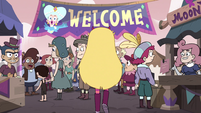 S4E1 Star Butterfly enters the carnival