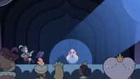 S2E40 Star Butterfly puppet in the spotlight