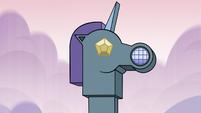 S3E21 Pony Heads' castle's intercom system