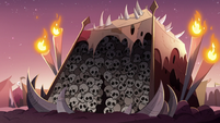 S3E2 Toffee's monster camp tent of skulls