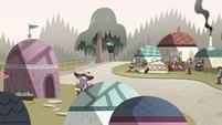 S4E25 Moon Butterfly's yurt village