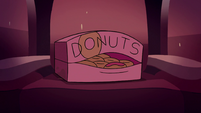 S2E14 Glossaryck in box 'I've seen this one before'