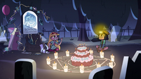 S2E27 Star Butterfly gives Janna a thumbs-up