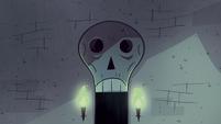 S1E8 Skeleton door doesn't talk