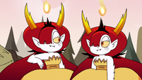 S3E37 Hekapoo makes a clone of herself