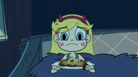 S2E24 Star holding a slice of Marco and Pony Head's pizza