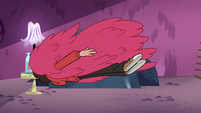 S4E12 Suit of red hair flies into Marco
