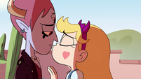 S4E29 Star about to kiss Tom on the lips