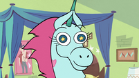 S2E17 Pony Head clapping her ears