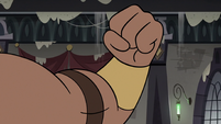 S3E36 Robot body making a fist at Rich Pigeon