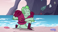 S4E19 Larry Kelpbottom bowing to Star