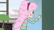 S2E32 Star Butterfly turns into Kelly Star.png