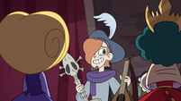 S4E24 Ruberiot with his and Eclipsa's instruments