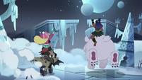 S4E5 Star, Marco, and Brunzetta escape the Neverzone