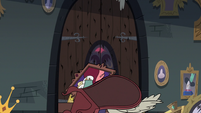 S3E20 Rich Pigeon's door with beak holes in it