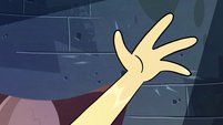 S2E28 Star Butterfly breaches the dimensional wall