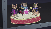 S4E11 Hamster band singing figurine toy