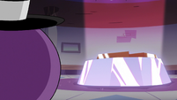 S2E22 Spider With a Top Hat hears Star summon him