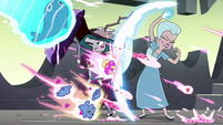 S4E35 Eclipsa and Moon shielding themselves