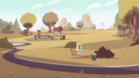 S2E6 Star and Marco alone in the park