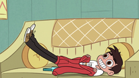 S3E8 Marco Diaz puts his hoodie on feet-first