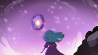 S3E36 Eclipsa Butterfly watching the portal close