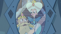 S2E28 King and Queen Butterfly look at each other