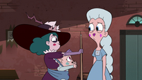S4E36 Eclipsa giving the pool cue to Moon
