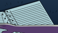 S2E28 Star Butterfly opens notebook to blank page