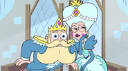 S3E14 Queen Butterfly 'in need of a squire'