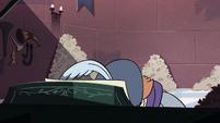 S2E40 Ruberiot slams his face on the piano keys