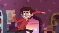 S4E12 Marco assuming a fighting pose